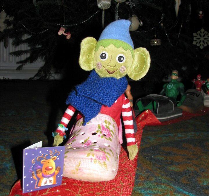 elf on the shelf, christmas elf, train